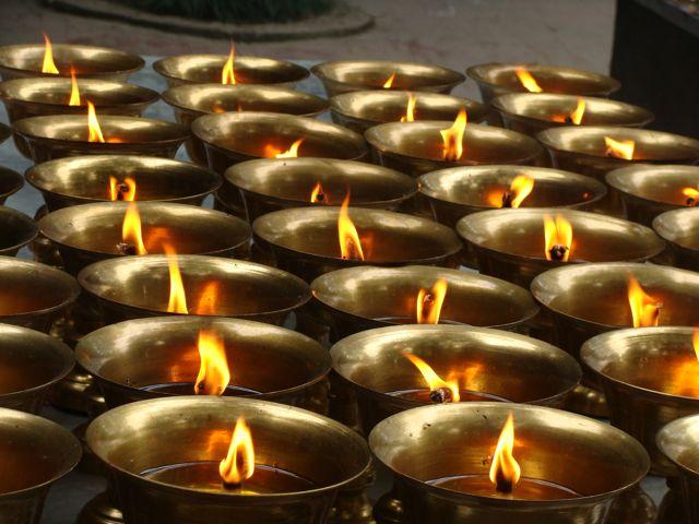 Leshan candles.