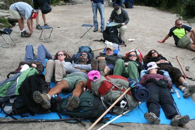 Sleeping_on_the_hike