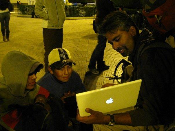 Sam_computer_with_kids